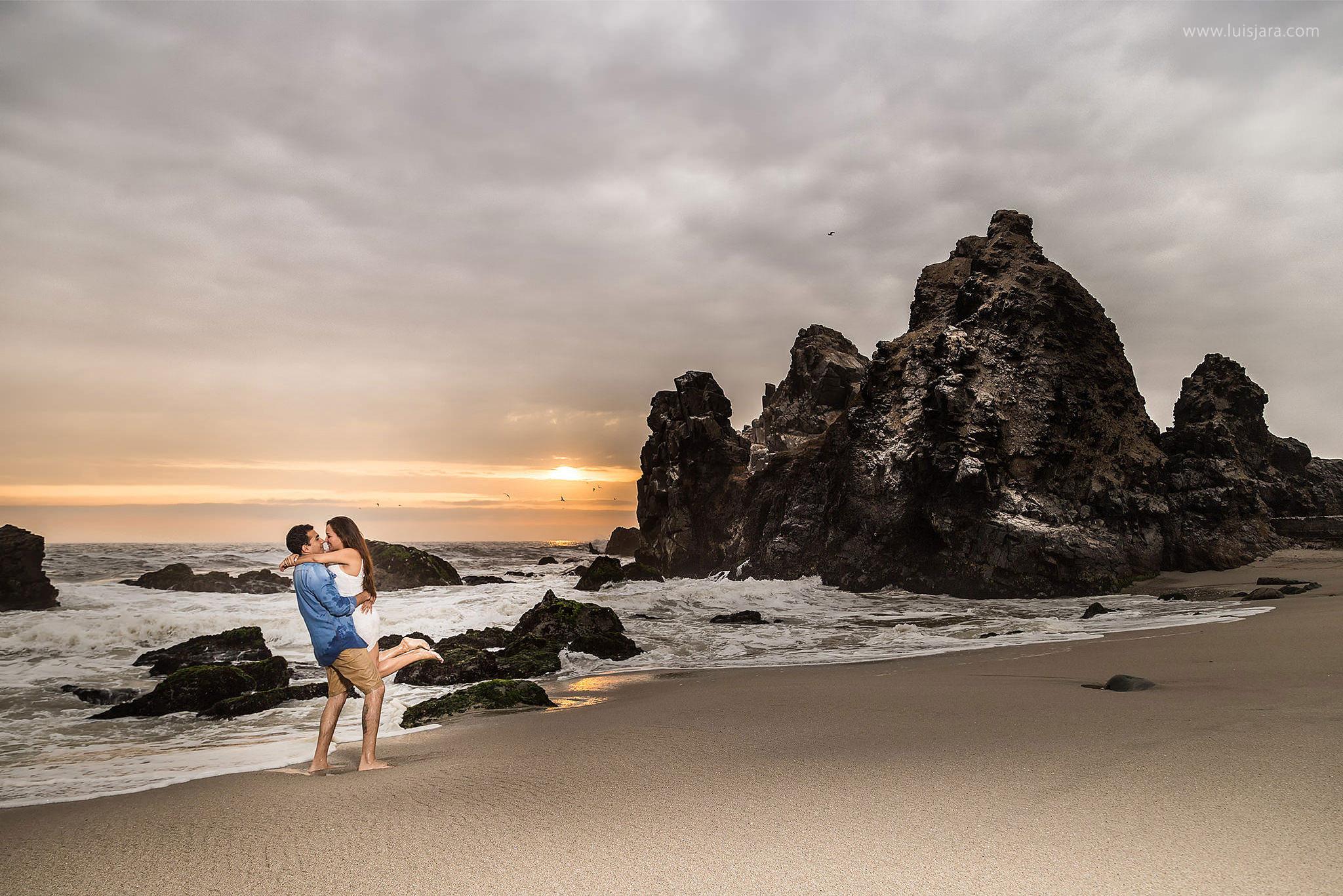 PreBoda en Playa Punta Negra Luis Jara Photography